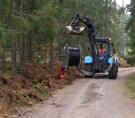 Nedgrävning av kabel. Foto: Länsstyrelsen.
