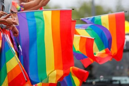 Bild p� Pride-flaggor Foto Michael Erhardsson