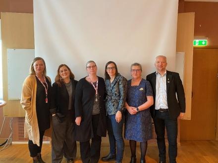 Foto av Pernilla Börjesson, Länsstyrelsen, Matilda Wahlström, Centrum mot våld, Charlotte Florén, Länsstyrelsen, Elin Hedén, Kvinnohuset, Eva Kornhall, Advokatfirman Kornhall och Torbjörn Messing, Länsstyrelsen.