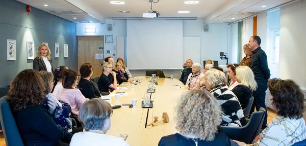Bild från kick-offen i Järfälla