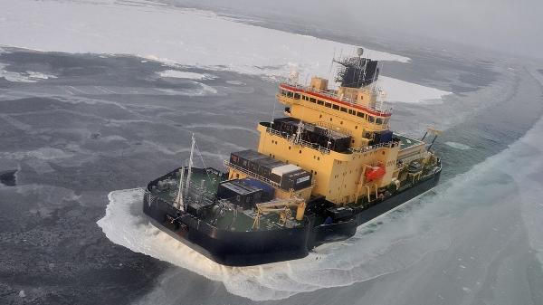 Isbrytaren Oden i Arktiska oceanen.