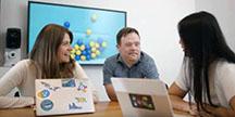 Matthew MacNeil vid Googles huvudkvarter i Kalifornien. Foto